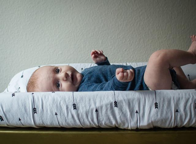 Cechy i zastosowanie przewijaków dla niemowląt